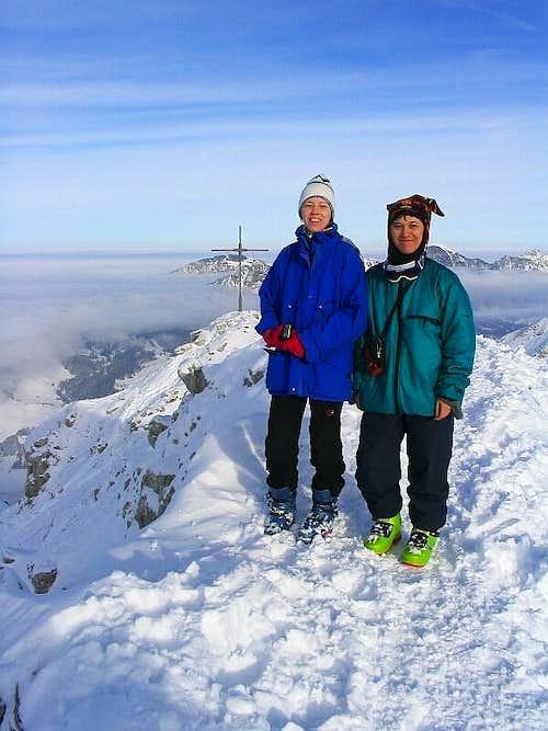 Elke and Rahel on the summit of Ponten