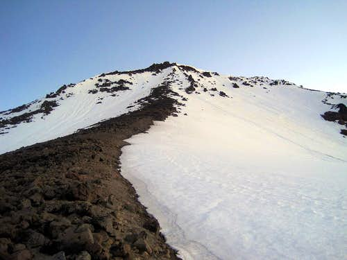 Looking up the Dissapointment Peak
