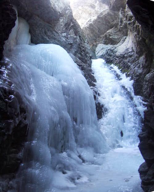 Zapata Falls (WI2-3)