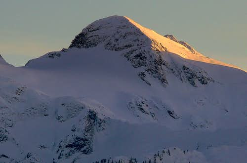 Alpenglow on Snowfield Peak