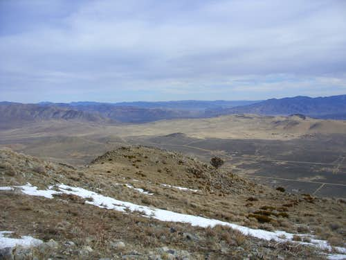 View east down to the northern Antelope Valley and Pyramid Lake