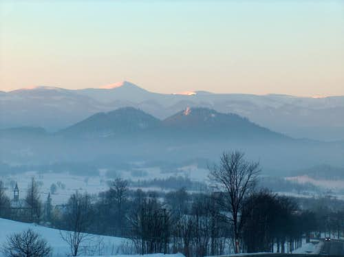 Śnieżka and Sokoliki in the sunrise