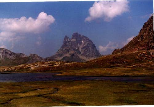 Midi D'Ossau from Anayet...