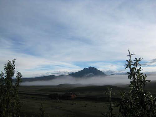 Dawn on Sincholagua