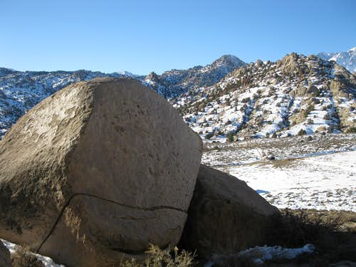 Boulder in the Buttermilks