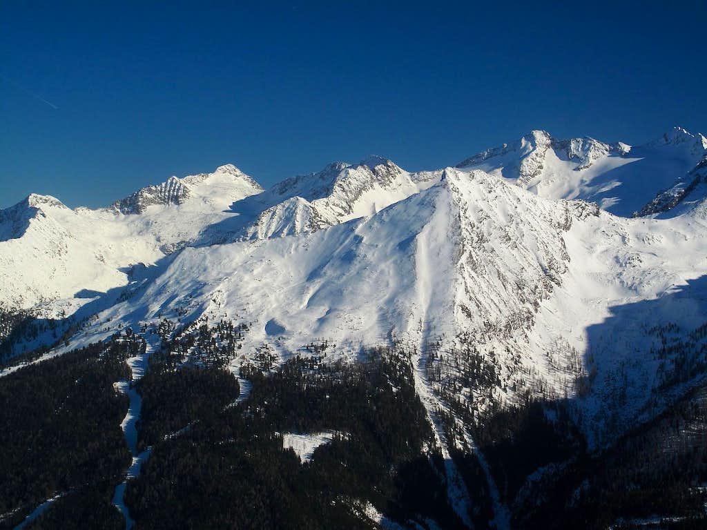 Graukogel (2492m) and the Ankogel group peaks behind
