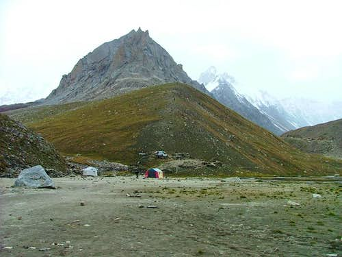 Camping on way to Gondogoro Glacier