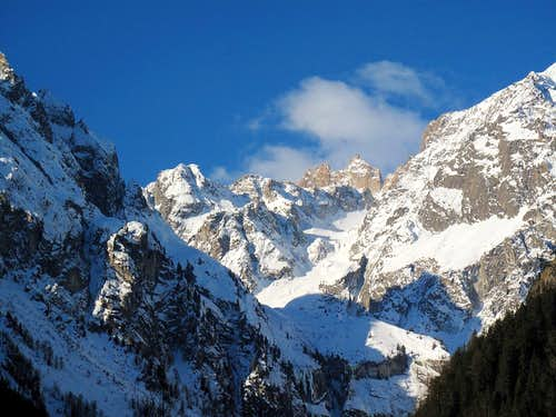 Looking up Vallon d\'Arpette de Saleina...