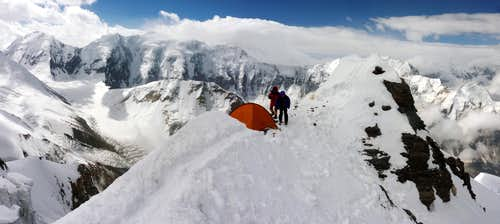 Korjenevskaya Peak - Camp 6100