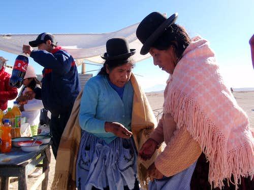 Women In Estación Avaroa