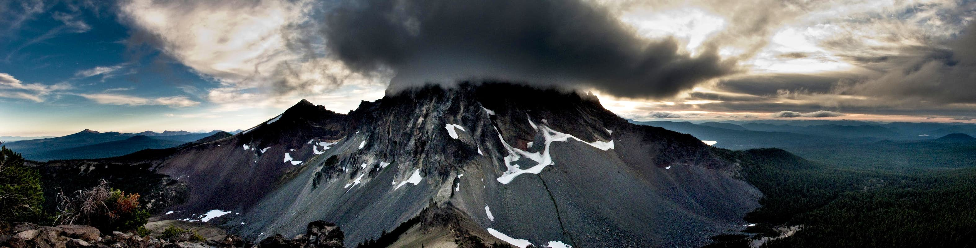 EPIC PANO - Thielsen East Face