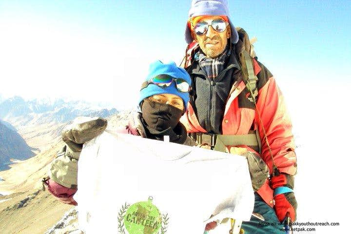 Samina Biag & Yausaf Khan, winter expedition Mingligh sar