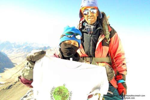 Samina Biag & Yausaf Khan, winter expedition Mingligh sar