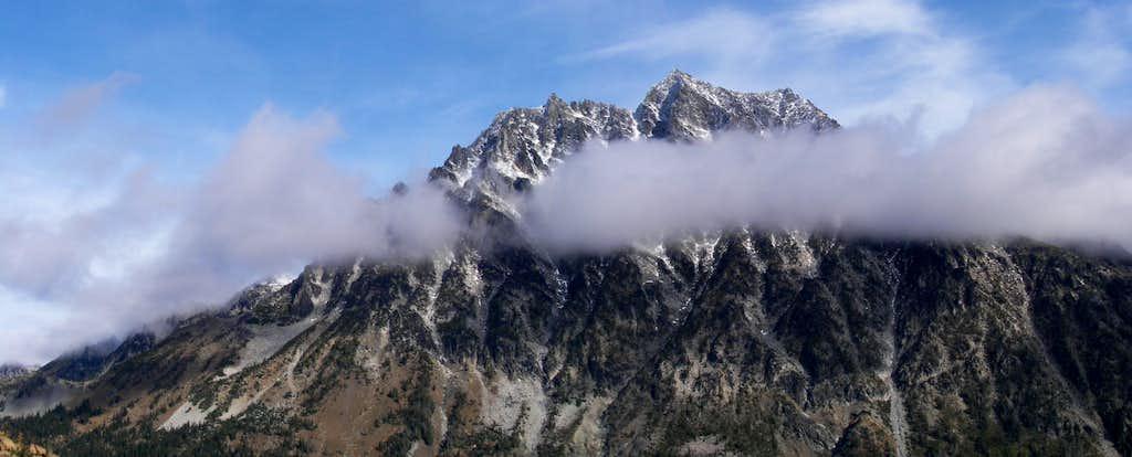 Mt Stuart emerging during traverse to Not Hinkhouse