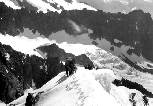 <font color =green>AIGUILLE de TALEFRE</font>  on the snowy final crest, 1966