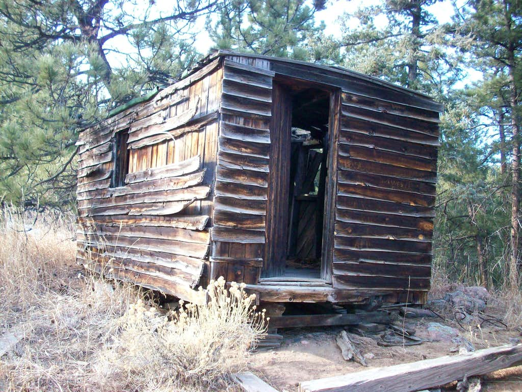 Another shot of the old cabin