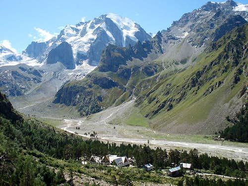 Main valley of Adir-Su