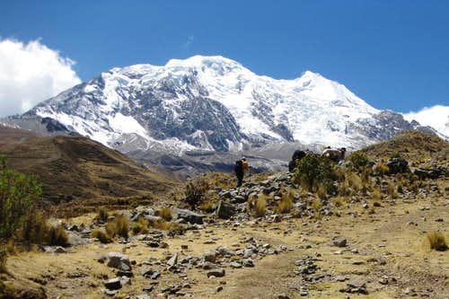Hiking to Illimani base camp