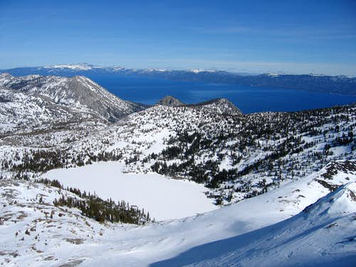 Dick\'s Lake and Maggie\'s Peaks from Dick\'s summit
