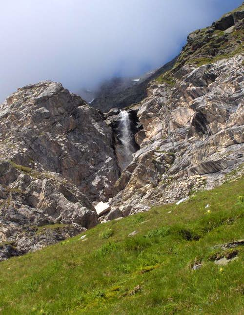 Waterfall along the Pfelderer Höhenweg
