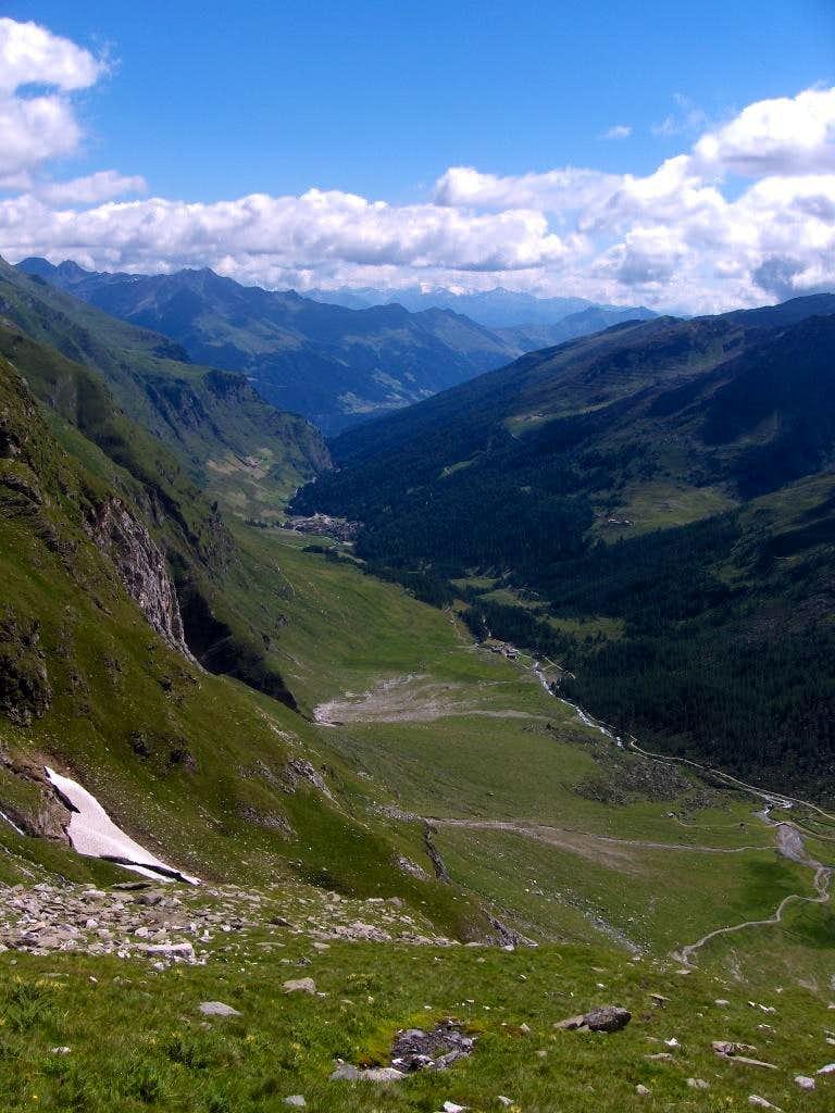 Looking down the Pfelderer Tal