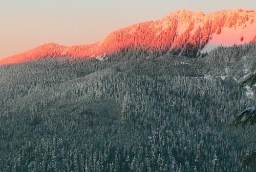 Alpenglow on Prairie Mountain