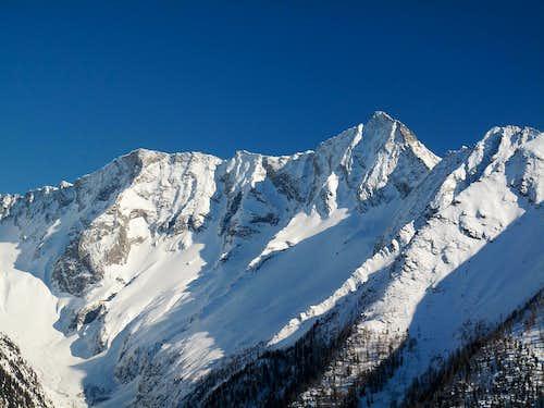 Schneewinkelspitze (3016m) and Säuleck (3086m)
