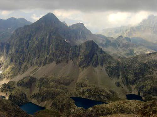 Lakes and peaks of Arriel