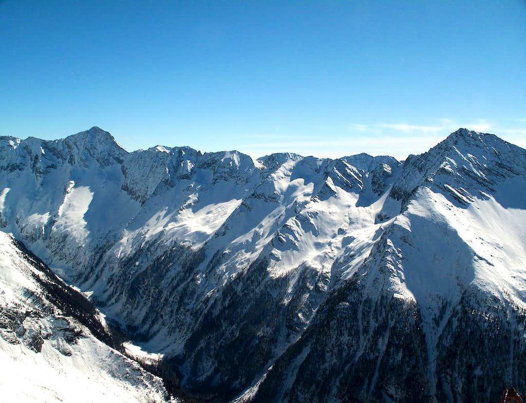 The Detmold ridge
