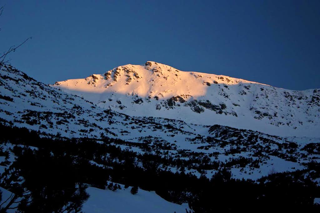 Tichy vrch at dusk