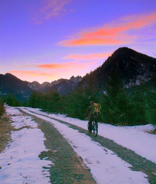 Biking to Mount Index