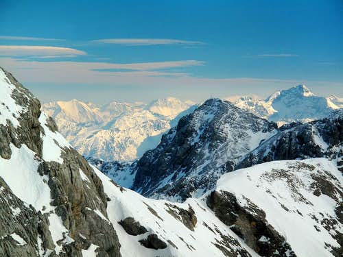 View from Hunerkogel (2694m) over Scheichenspitze (2667m) to Schladminger Tauern in the south east