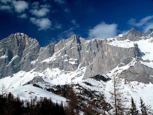 Hoher Dachstein (2995m), Südliches and Nördliches Dirndl (2832m and 2818m) and Hunerkogel (2694m)
