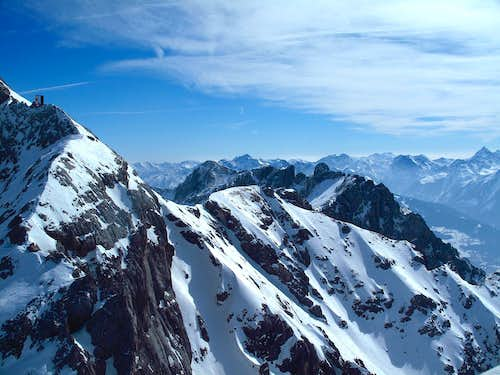 View south east over Türlspitze and Scheichenspitze to the Schladminger and Radstädter Tauern