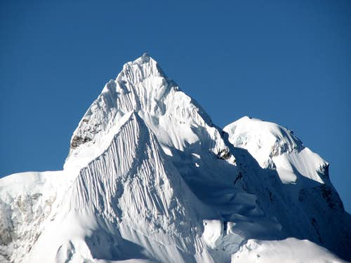 Lunag Ri (6895m)