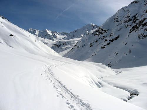 "A flat part in the middle of ""Valle delle Mine""."
