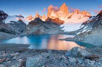 sunrise in laguna de los tres