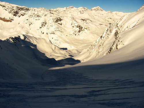 Skiing on the glacier di Savoretta.