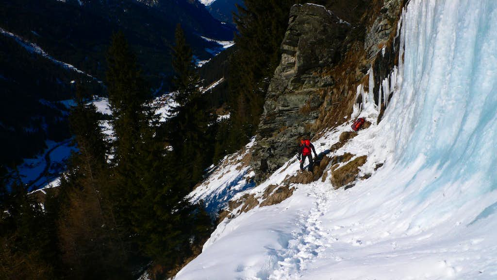 Adrian coming up to the pitch 4 ledge.