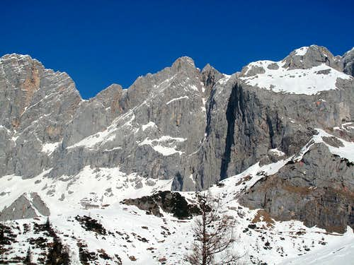 The walls on the south side of the Dachstein group