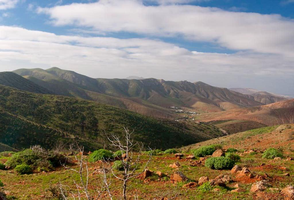 Gran Montaña and Cuchillo de Ezquen