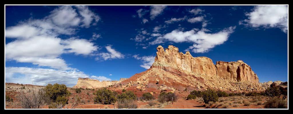 Cliffs nearLittle Wild Horse Canyon