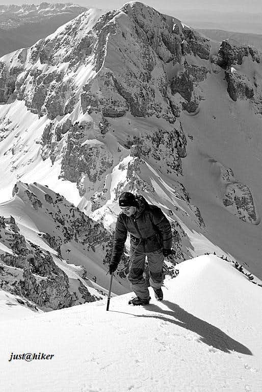 Winter ascent of Lupoglav (2.102m)