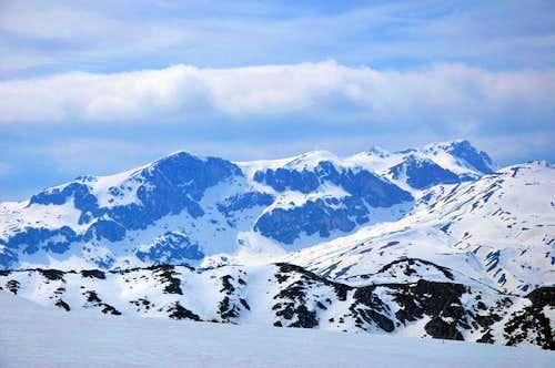 Stogovo: View toward Kanesh and Bik Doruk peaks