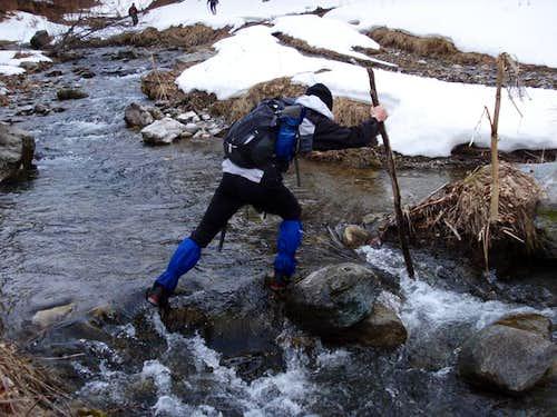 Stogovo: Crossing Garska river