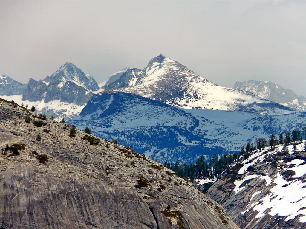 Yosemite  High Sierra from Yosemite Point