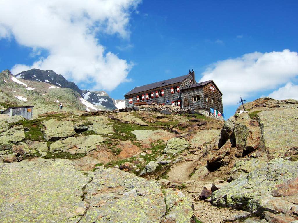 Vedretta Pendente hut - TeplitzerHutte (m.2586)