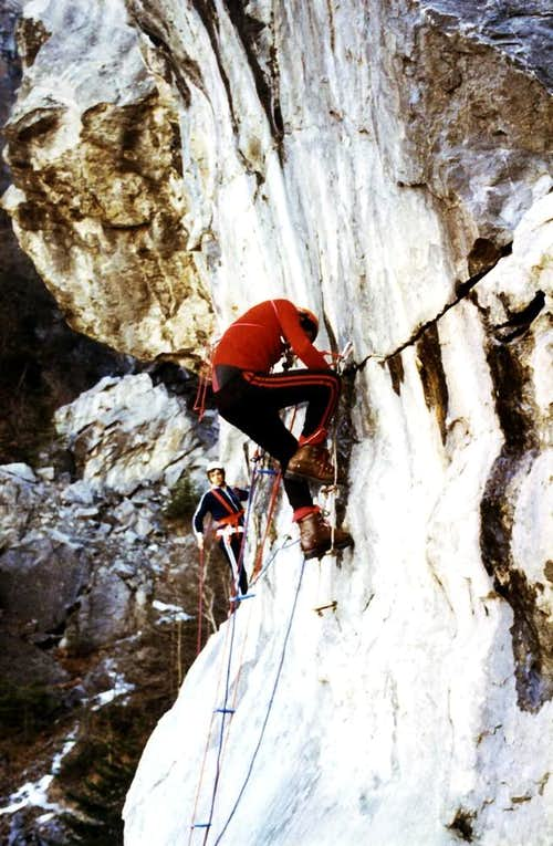 CHENAUX's on plate lateral right of the cliff of 40 metres on 1978