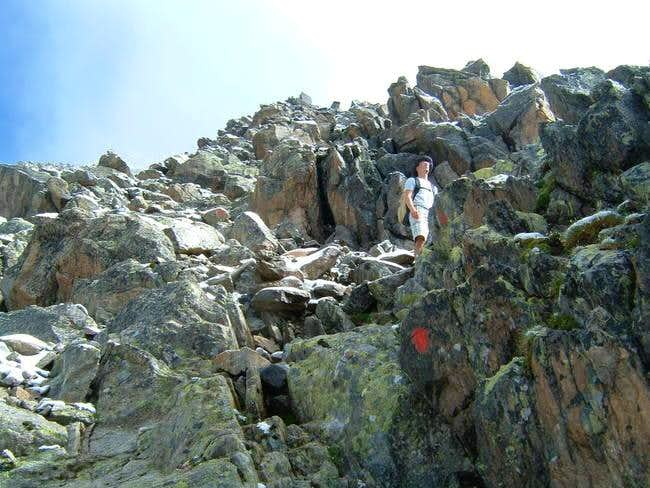 Easy scrambling on the way up...