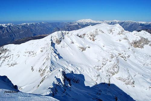 Southern view from Lupoglav (2.102m) summit